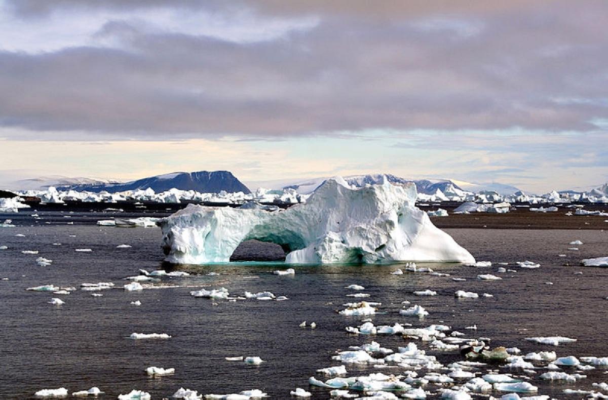 El deshielo de los polos terrestres es una de las consecuencias del cambio climático. Imagen: Brocken Inaglory. Fuente: Wikipedia.