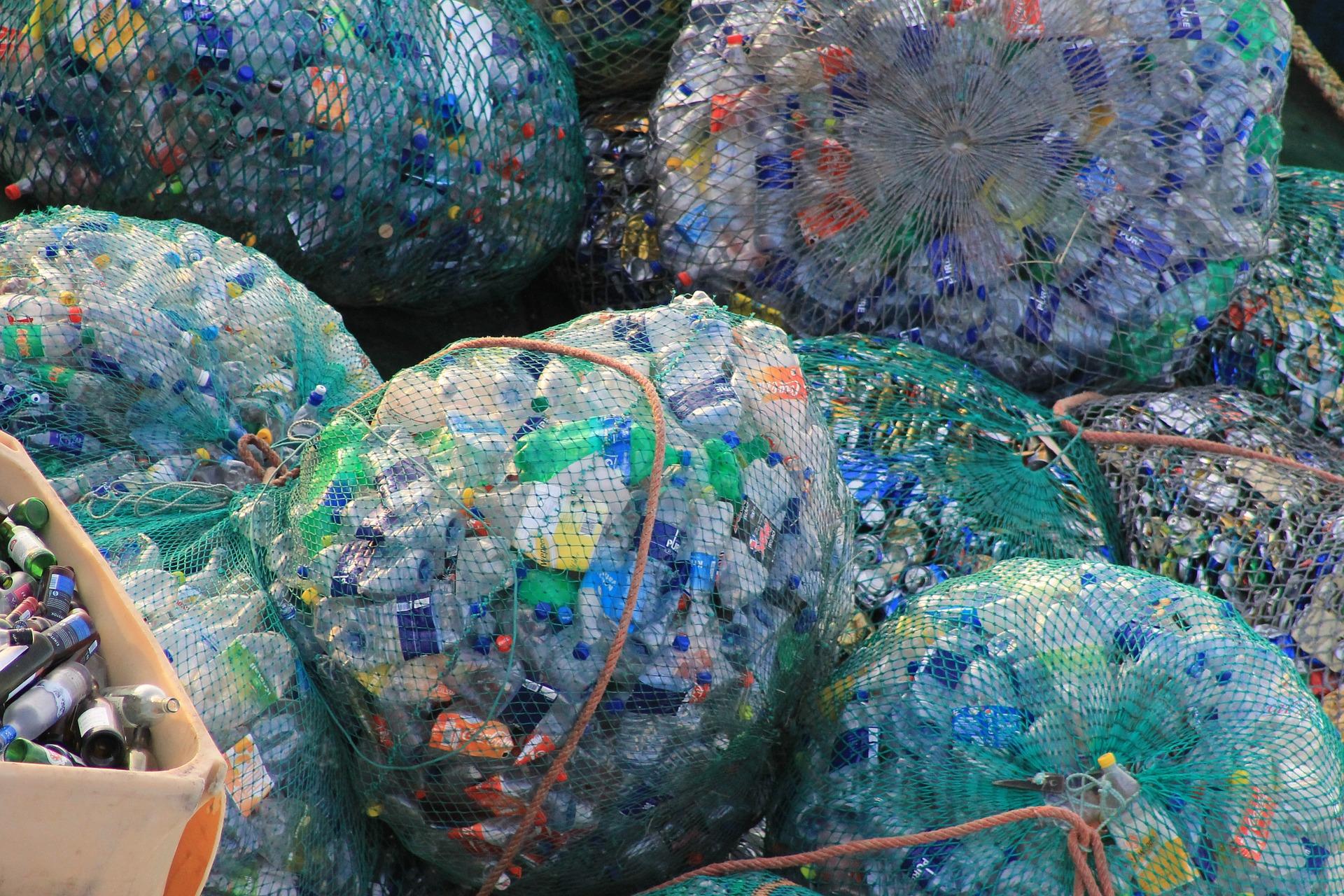 Crean plástico renovable a partir de CO2 y desechos agrícolas