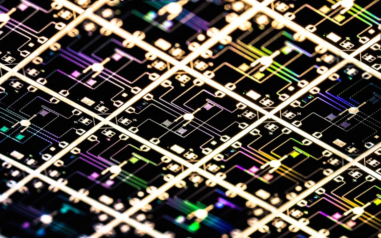 Matriz de qubits cuántica. Imagen: Michael Fang. Fuente: Martinis Lab (UCSB).