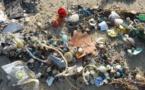 Un proyecto colaborativo fabrica ropa a partir de los residuos plásticos del mar