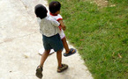 Crecer en barrios marginales condiciona negativamente a los niños