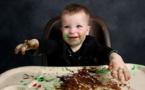 El juego con la comida es una fuente de conocimiento para los bebés