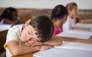 La siesta en clase es buena para los niños