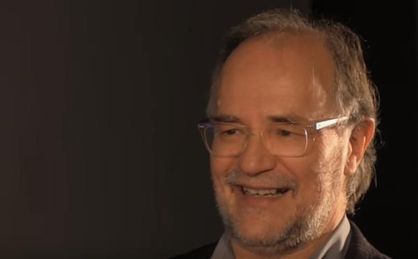 """Eduardo Costas: """"No podemos saber cómo fue la biología de los dinosaurios"""""""