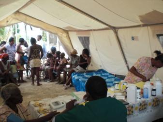 Puesto de salud en campamento de refugiados. flickr.com